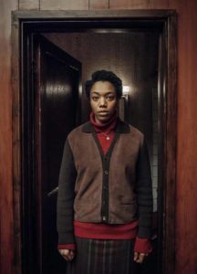 Bonnie (Naomi Ackie) dans The End of the F***ing World